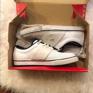 Men's Puma Sneakers Size 8